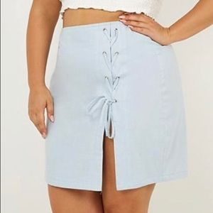 Baby Blue Linen Tie front Skirt. Size 16, (#42)